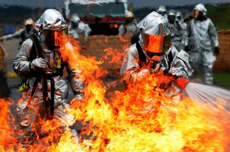 Empresa terceirizada de bombeiro civil